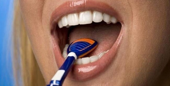 tongue scraper and bad breath